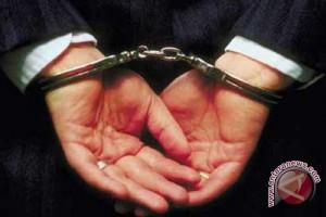 Polisi menangkap rapper Malaysia