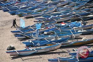 Gelombang tinggi nelayan Kulon Progo tidak melaut