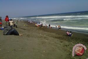 Wisata Pantai Gua Cemara dibangun jalan memutar