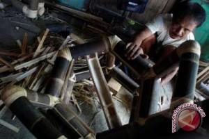 Pengadaan barang pemerintah diimbau gunakan kayu lokal