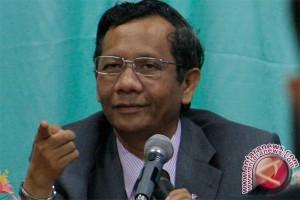 Mahfud: TNI-Polri tidak bisa dipisahkan tangani terorisme