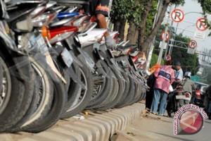Yogyakarta tertibkan dua juru parkir liar