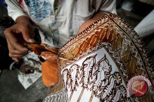 Warga Inggris mengapresiasi batik sebagai karya seni