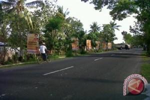 Panwaslu : pelanggaran peraga kampanye didominasi bendera