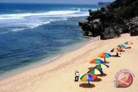 Pemkab kaji pembuatan jalan lingkar Pantai Sepanjang