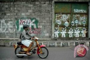Polres Gunung Kidul bersihkan voretan vandalisme