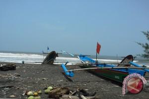 Nelayan tidak melaut karena hasil tangkapan turun
