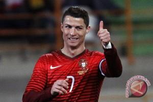 Piala Eropa - Ronaldo dan Nani antar Portugal ke final