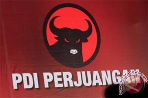 Pilkada 2017 - Massa PDIP datangi KPU tuntut penyelenggara netral