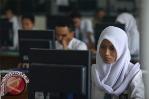 Pengadaan komputer SMP ditargetkan selesai sebelum UN