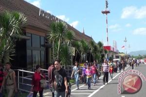 Lebaran 2017 - Arus balik di Bandara Adisutjipto mulai meningkat