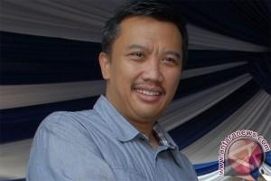 Sepak Bola - Menpora canangkan program seribu lapangan di Bogor