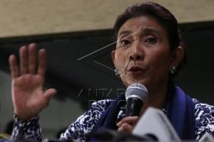 Menteri Susi gemar membaca filsafat sejak remaja