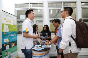 Ratusan beasiswa plus tersedia untuk mahasiswa berprestasi