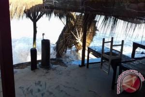 Puluhan kapal nelayan Baron rusak diterjang gelombang