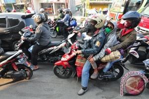Peneliti: empat alasan pengendara tidak gunakan helm