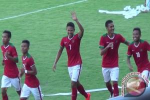 Sepak Bola - Timnas Indonesia U-19 bekuk Filipina 3-1