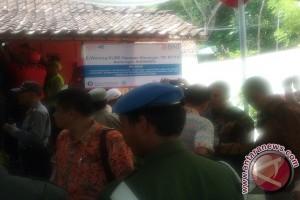 Mensos resmikan e-warong di Kulon Progo