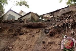 Pemkab-Pemprov DIY koordinasikan penanganan tanah longsor