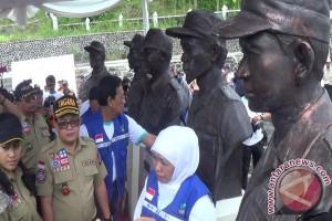 Mensos resmikan lima patung Pahlawan Relawan Merapi