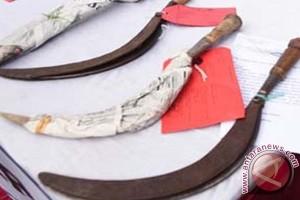 Polres Bantul amankan dua pembawa senjata tajam