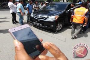 Pemda diminta tegas menegakkan aturan taksi daring