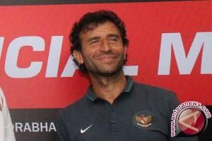 Pelatih Luis Milla memanggil enam pemain senior menghadapi Thailand
