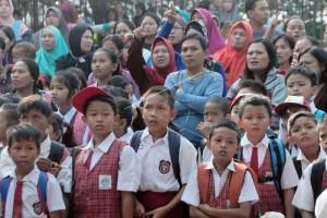 Hari pertama masuk sekolah asyik bagi anak