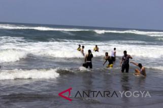 Wisatawan diimbau tidak berenang di Pantai Parangtritis