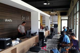 Warga melaporkan pimpinan proyek Bandara NYIA
