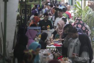 Pasar Ramadhan Kauman ajang wisata kuliner