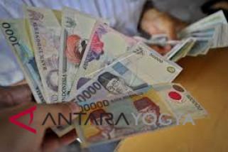 Masyarakat diimbau segera tukarkan empat uang lama
