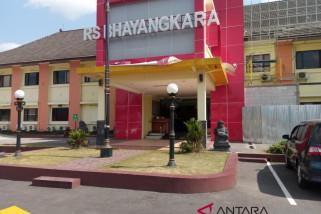 Teman kuliah terduga teroris datangi RS Bhayangkara Yogyakarta