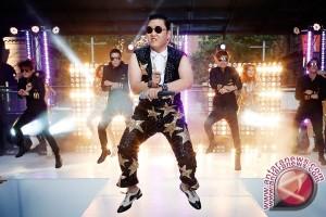 """Akhirnya! Setelah 4,5 Tahun """"Gangnam Style"""" Turun dari Puncak YouTube"""