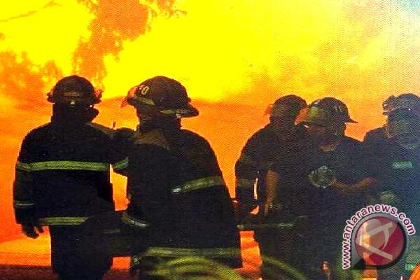 Siaga 24 Jam, Begini Upaya Petugas Pemadam Kebakaran