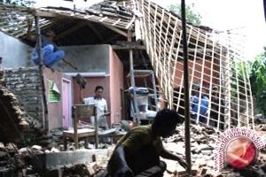 Pemkab Seruyan Salurkan Bantuan Bedah Rumah