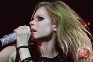 """Avril Lavigne dan Bruno Mars Pesohor Paling """"Bahaya"""" Dalam Pencarian Daring?"""