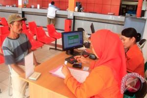 Jelang Lebaran, Kantor Pos Tambah Petugas Imbangi Peningkatan Transaksi