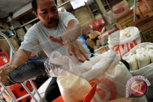 Polisi Berhasil Amankan 500 kg Gula Ilegal dari Malaysia