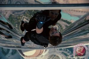 """Waduh! Pergelangan Kaki Tom Cruise Patah, Syuting """"Mission: Impossible"""" Ditunda"""
