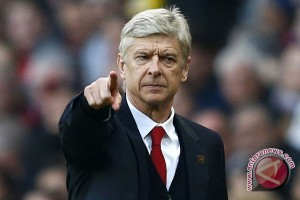 Arsene Wenger Damprat Wasit, 2 Gol City 'Offside'