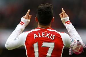 Ryan Giggs Nilai MU Akan Melesat Jika Gaet Alexis Sanchez, Benarkah?