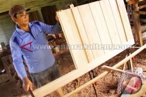 Wakil Rakyat minta UKM di Kalteng terus dibantu berkembang
