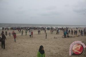 Pantai Ujung Pandaran Bersolek Tarik Wisatawan