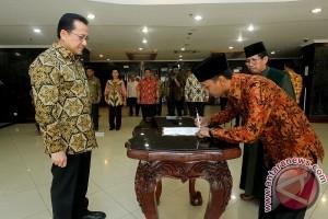 Muhammad Rakhman Asal Kobar Dilantik Jadi Anggota DPD Baru