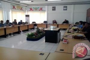 Komisi III DPRD Bartim Harapkan UNBK Berjalan Lancar