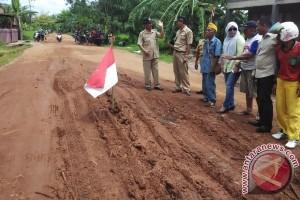 Pemkab Kotim Rintis Jalan Buka Isolasi Kecamatan