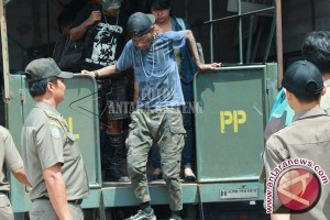 "Satpol PP Janji Bersihkan Wajah Kota Dari Anak ""Punk"""