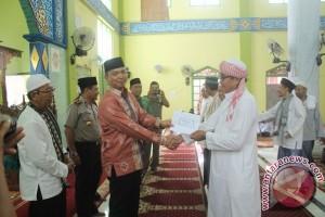 Pemkab Sukamara Lakukan Safari Ramadhan dan Salurkan Bantuan