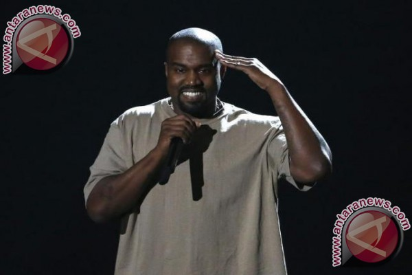 Selamat! Kanye West dan Kim Kadarshian Sambut Kelehiran Anak Ketiga